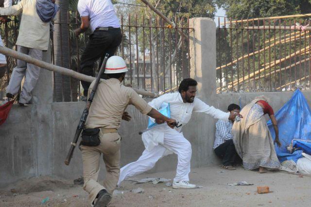 पटना में निषाद समाज पर लाठीचार्ज, 50 घायल