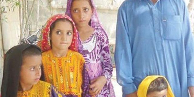 जुर्माना भरने में अक्षम पिता ने लगाई बेटियों और पोतियों की बोली