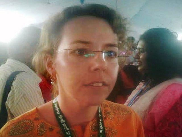 इंडिया घूमने आई और ट्रैवल एजेंट से हुआ प्यार, सास के लिए सीख रहीं हिंदी