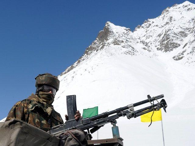 इंडियन आर्मी ने चीनी वॉच टावर को गिराया, सीमा पर बढ़ी टेंशन