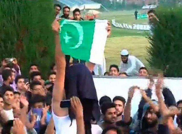 श्रीनगर: अंतरराष्ट्रीय हाफ मैराथन में लगे PAK समर्थित नारे, मची भगदड़
