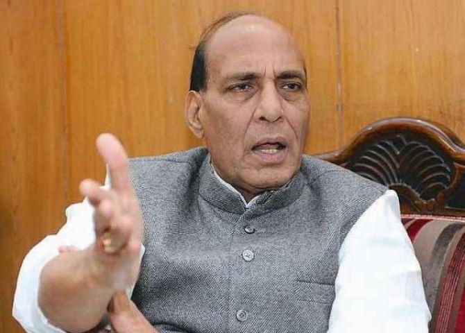 भारत को सीमा पार से मिल रहा दो तरफा तनाव, गृहमंत्री करेंगे दौरा