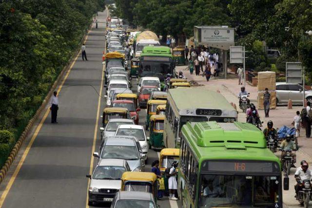 ट्रैफिक समस्या से छुटकारा पाने के लिए हर मंगलवार होगा 'कार फ्री डे'