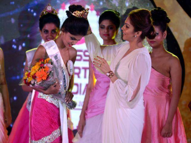 नुपुर बनीं मिस नॉर्थ इंडिया
