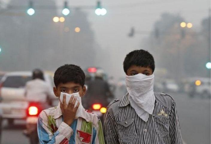 दिल्ली में वायु प्रदुषण का स्तर लगातार बड़ा