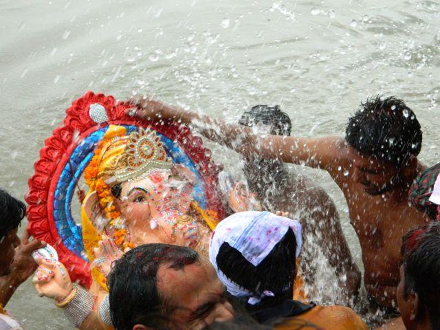 मूर्ति विसर्जन करने गए 8 लोगो की गंगा में डूबने से हुई मौत