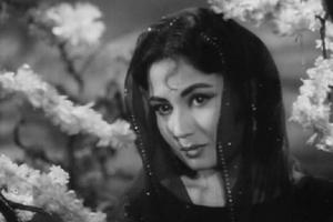दुखांत फिल्मो के लिए जानी जाती है मीना कुमारी
