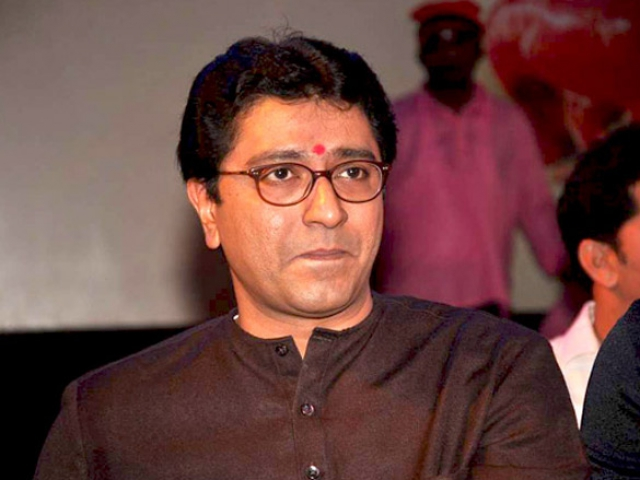 राज ठाकरे ने किया C.M के फैसले का समर्थन