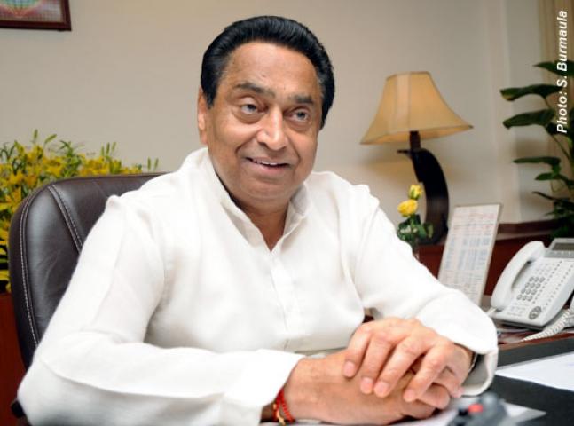 राहुल को सौंपी जाए कांग्रेस की कमान- कमलनाथ
