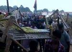उत्तर प्रदेश : देवरिया में हुई राहुल की 1500 खटिया लूट सभा