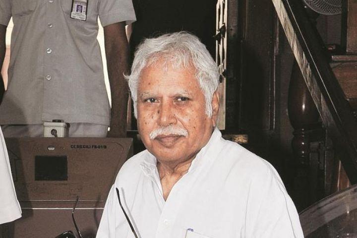 पार्टी कार्यकर्ताओं में हो रही गुटबाजी : मधुसूदन मिस्त्री