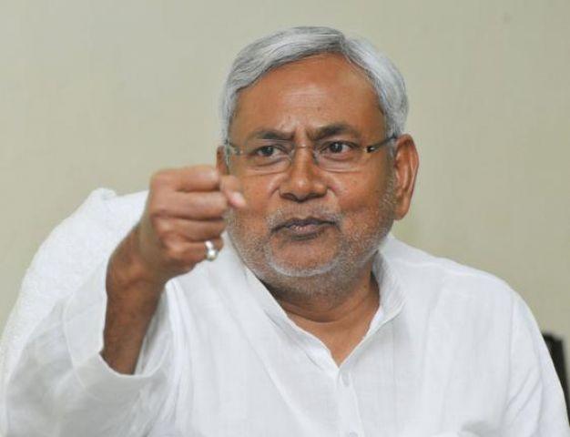 खतरनाक हैं RSS सरसंघचालक भागवत के विचार, संविधान को नकार रही है सरकार