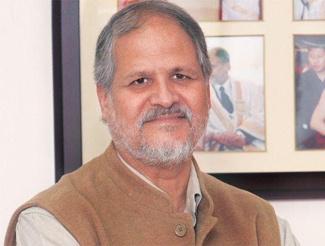 भाजपा सांसद ने की नजीब जंग को हटाने की मांग