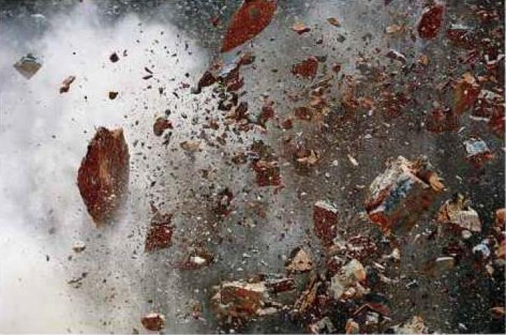 सुलभ शौचालय में विस्फोट, 2 मरे