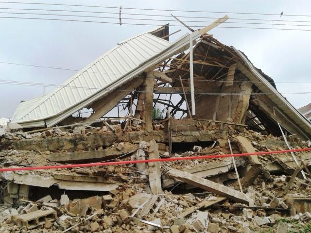 नाइजीरिया में चर्च की इमारत ढहने से 5 मरे