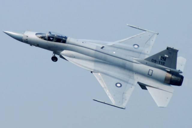 पाक को अपने दोस्त चीन से मिलेंगे 110 लड़ाकू विमान