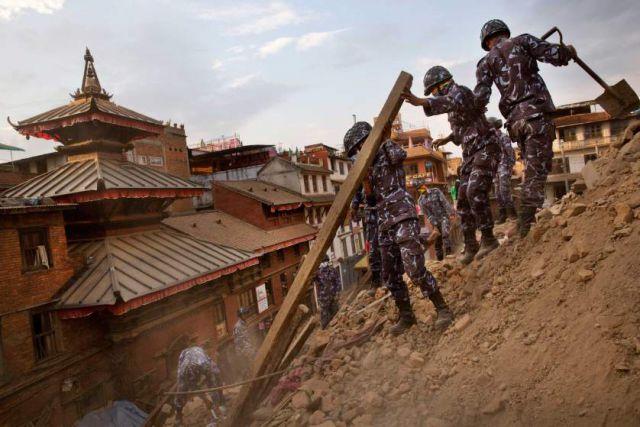 नेपाल त्रासदी - मीडिया के महिमा मंडन से नेपाल सेना नाखुश