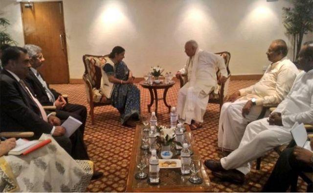 सुषमा ने श्रीलंकाई तमिल नेताओ से चर्चा की