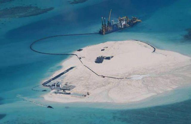 चीन ने विवादित सागर में किया उड़ान परीक्षण, वियतनाम भड़का