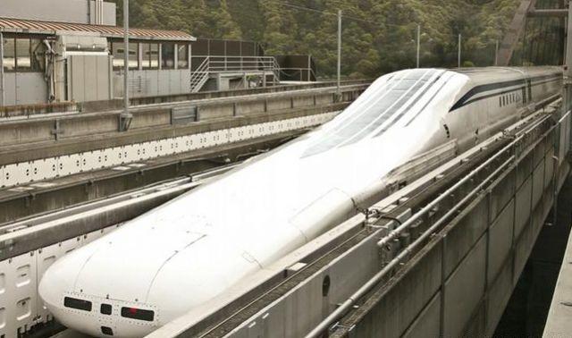 बाप रे बाप... इस ट्रेन की रफ़्तार है 600 किलोमीटर प्रति घंटा