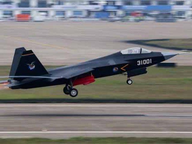 चीनी बेड़े में शामिल हुआ शक्तिशाली J-20