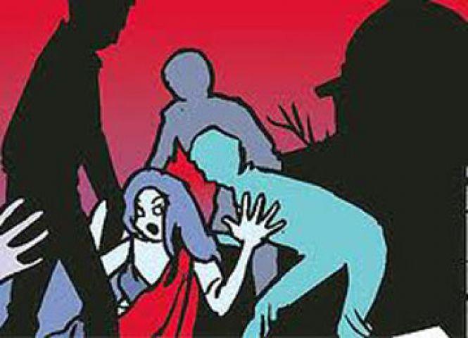 प्रेमी से मिलने पहुंची युवति से किया 12 लोगों ने सामूहिक बलात्कार