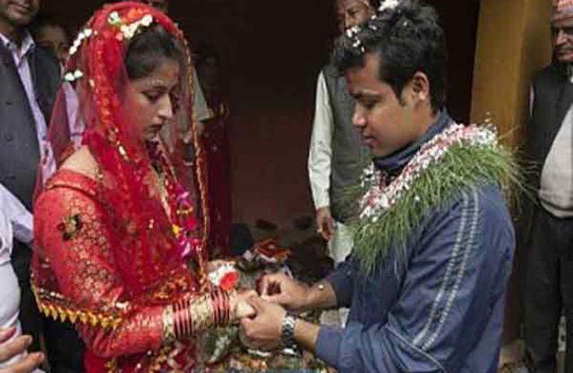 नेपाल भूकंप : प्रेमिका को मलबे से निकाल की शादी