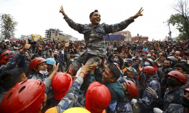 नेपाल भूकंप : पांच दिन बाद मलबे निकला 15 वर्षीय किशोर