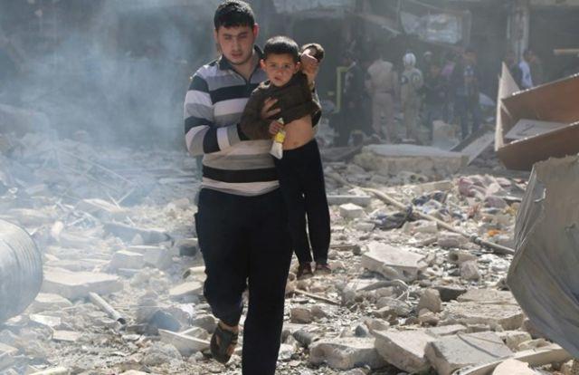 सीरिया : हवाई हमलों में 52 मौतें