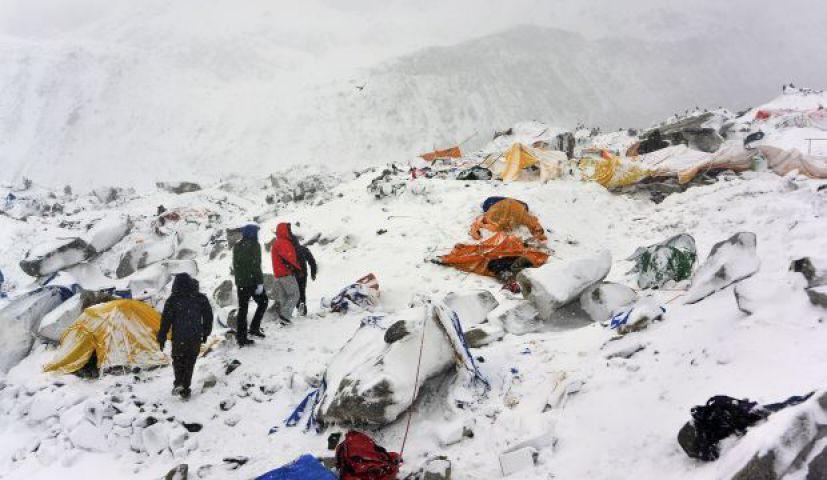 नेपाल के एक पहाड़ी गांव से 100 ट्रैकर के शव मिले, 120 और दबे होने की आशंका