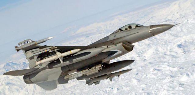 अमेरिका कर रहा पाकिस्तान को हथियार सप्लाई