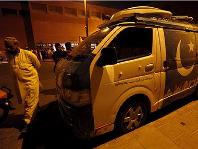 पाकिस्तान में जियो चैनल की वैन पर गोलीबारी,1 मीडियाकर्मी की मौत