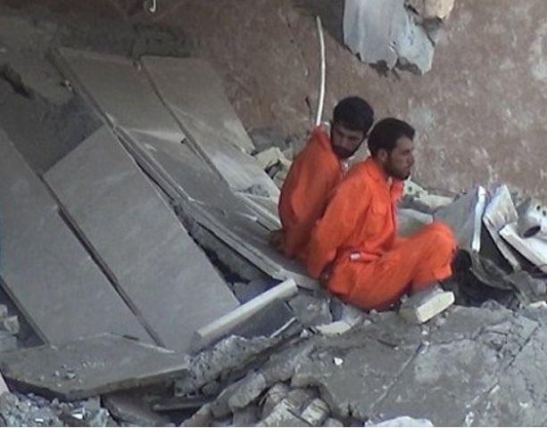 ISIS का खुनी खेल जारी, 2 लोगों को डायनामाइट से उड़ाया