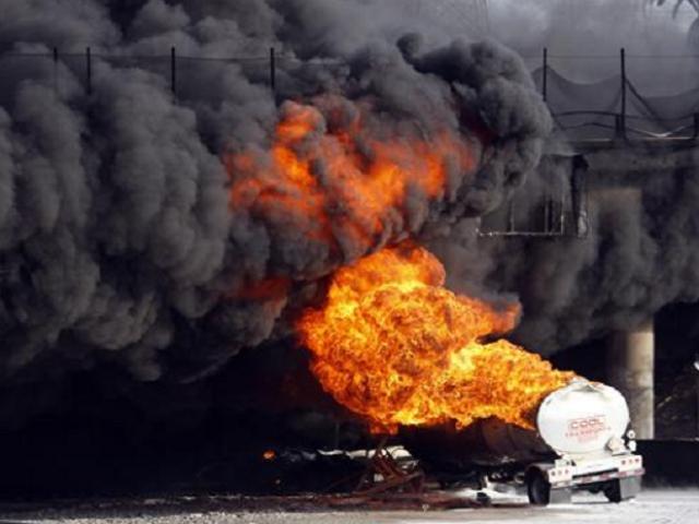 तेल झपटने पहुंचे लोग हुए स्वाहा, 150 की मौत