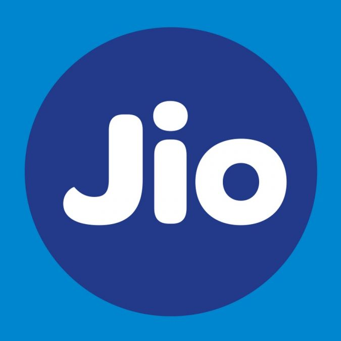 Jio के 299 रु के रिचार्ज पर मिलेगा 10,000 रु तक का फायदा, जानिए क्या है प्लान