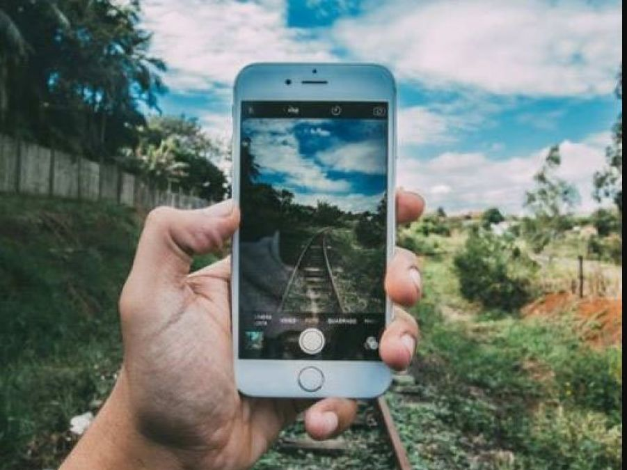 World Photography Day: Best smartphones  for capturing  beautiful