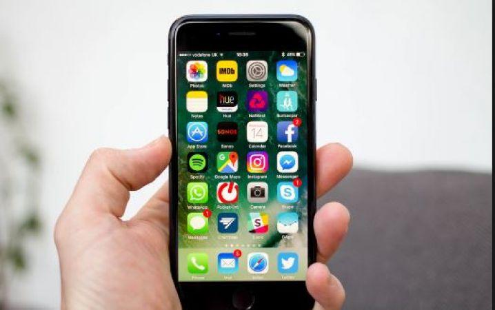 रिपोर्ट में बड़ा खुलासा, मुड़ने वाले फोन पर Apple भी कर रही काम
