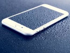 These popular smartphones may see huge losses while rain!
