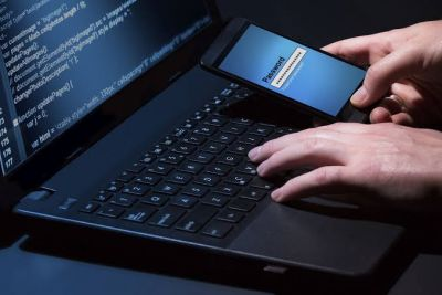 Know how hackers hack your device