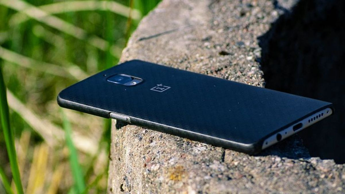 OnePlus 8 Pro का ग्राहकों को है बेसब्री से इंतजार, इस सुविधा ने बनाया दुनिया का पहला फोन