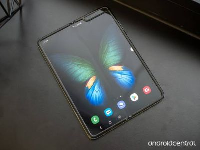 Samsung Galaxy Fold available online, see features