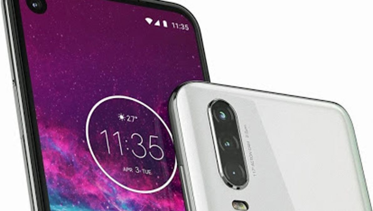 The image of the Motorola One Action shows a triple camera.