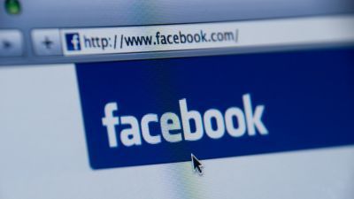 क्यों कर रहा है Facebook Fake Account डिलीट ?