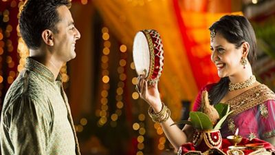 These great apps will help you a lot on Karva Chauth's day