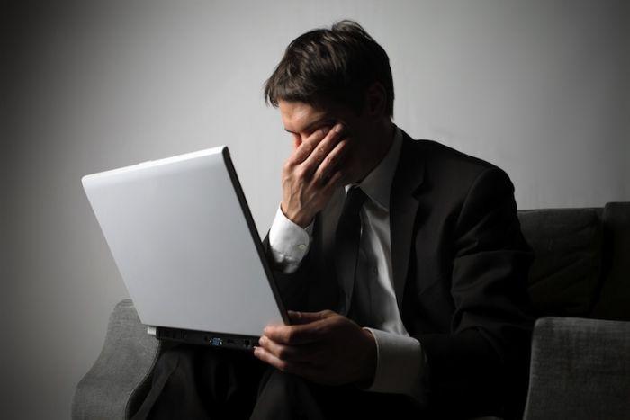 जरूरत से ज्यादा इन्टरनेट इस्तेमाल करने से बढ़ सकता है डिप्रेसन का खतरा