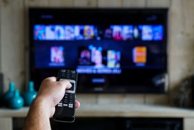 Cable TV operators do not lack behind in the festive season, launched many discount offers