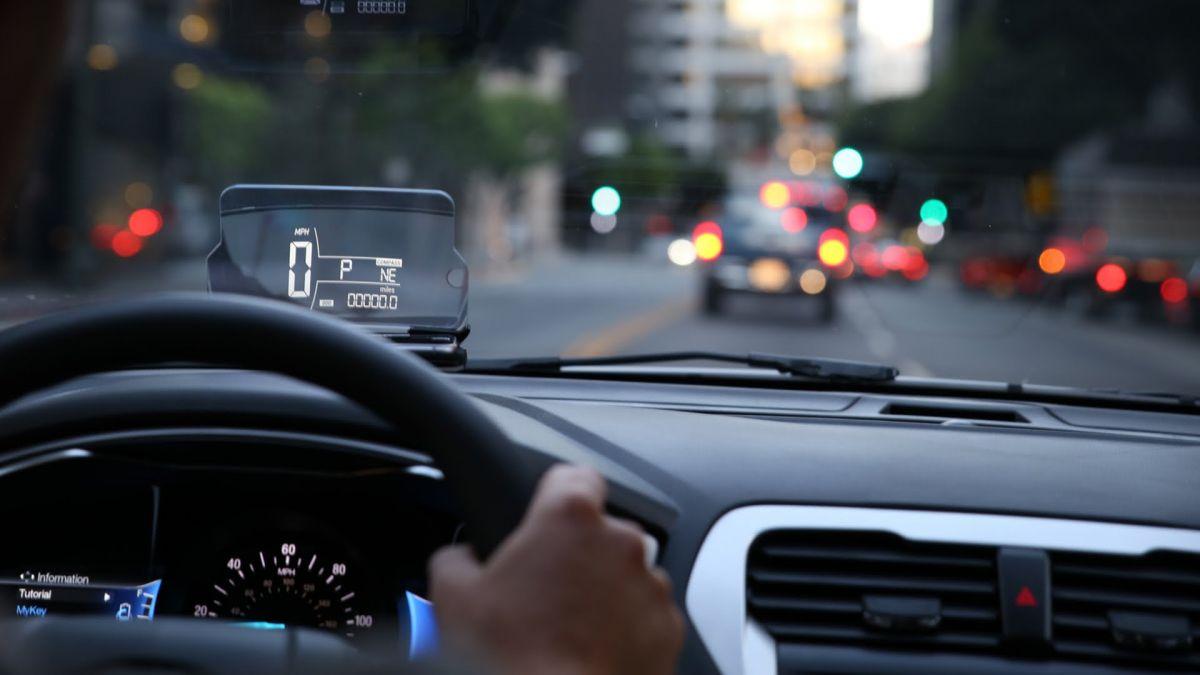 Xiaomi Unveils Bluetooth HUD Projector