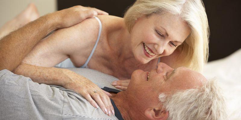 बढ़ती उम्र में बढ़ती जाती है यौन संबंध की इच्छा
