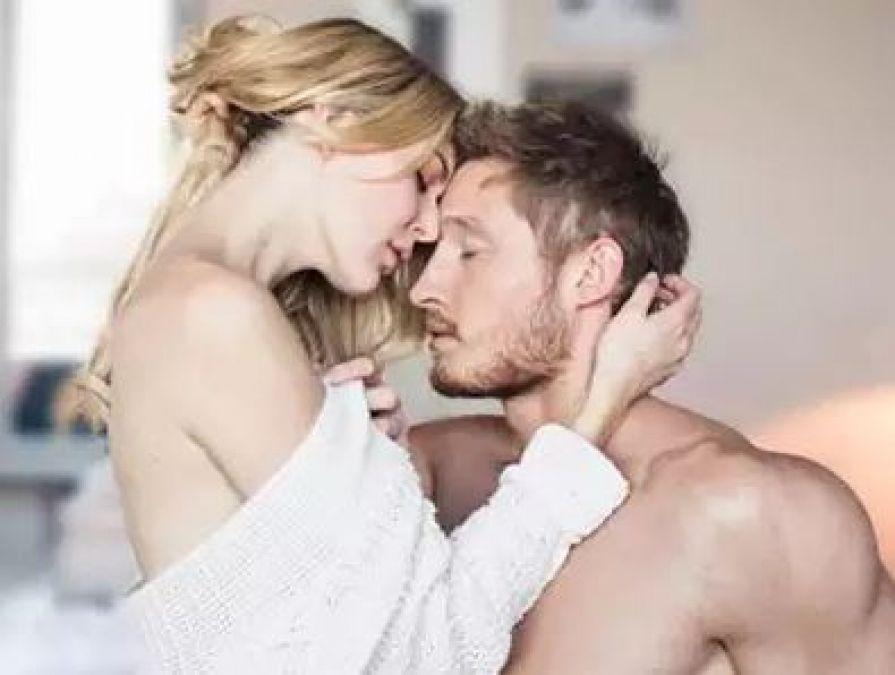 घर की जगह होटल में सेक्स को ज्यादा एन्जॉय करते हैं कपल्स..