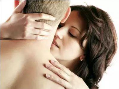 फोरप्ले के बाद आफ्टरप्ले से भी बढ़ा सकते हैं सेक्स रोमांच